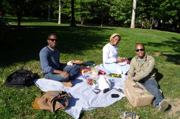 Limousine Eyelash: perfect afternoon picnic